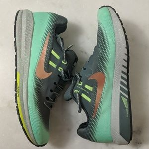 Women's Nike Zoom Structure size 7.5